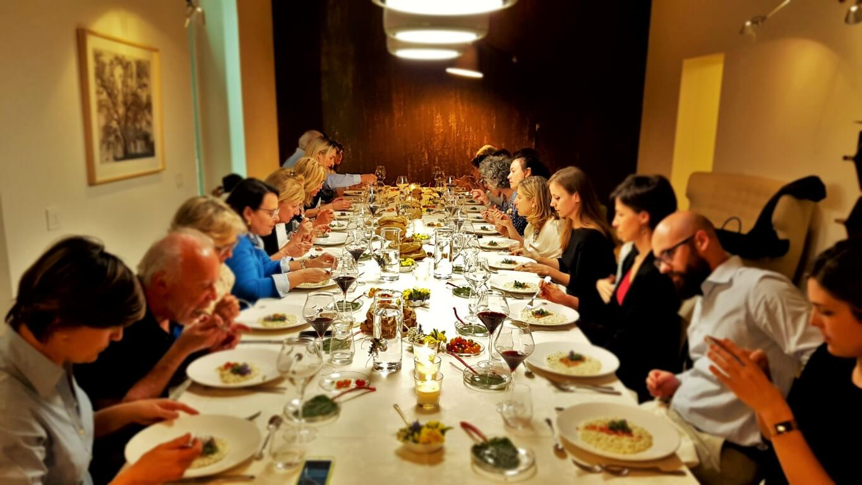 Corsi di cucina milano con cena rabarbaro incontra cavolo kale